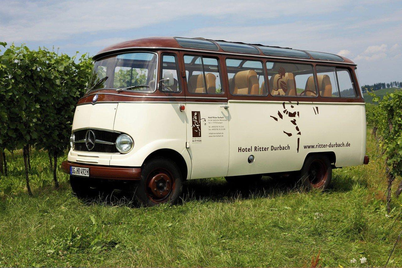 Stuttgart  Lieu Atypique Oldtimer Meeting Bus image 0