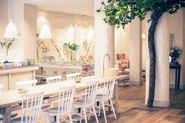 Paris  Unusual Free Persephone Day Spa image 3