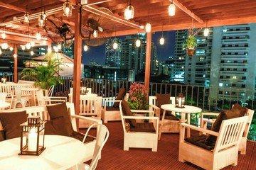 Autres villes workshop spaces Espace de Coworking The Hive Bangkok - Roof Garden Bar image 11