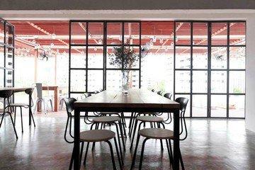 Autres villes workshop spaces Espace de Coworking The Hive Bangkok - Roof Garden Bar image 0