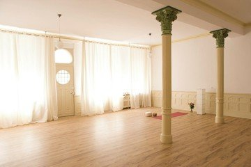 Mannheim training rooms Besonders Yoga Flow image 4