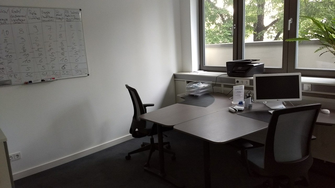 Berlin  Meeting room Coachingraum 01 image 0