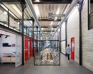 Paris  Espace de Coworking La Fulgurante image 6