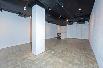 NYC  Galerie Bowery Gallery Space image 4