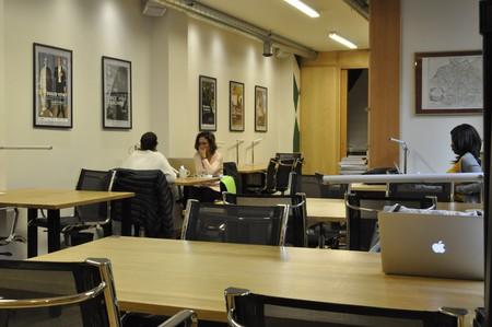 Paris Espaces de travail Coworking space Eat Two Work - meeting room 14pax image 3
