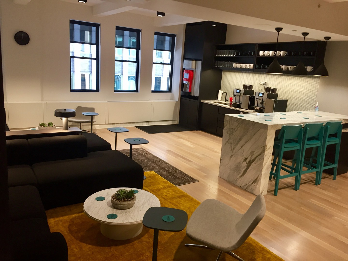 NYC seminar rooms Meetingraum 110west40 Conference Room A image 4