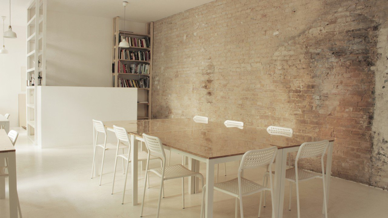 Berlin  Meetingraum Conference room for hourly and daily use image 0