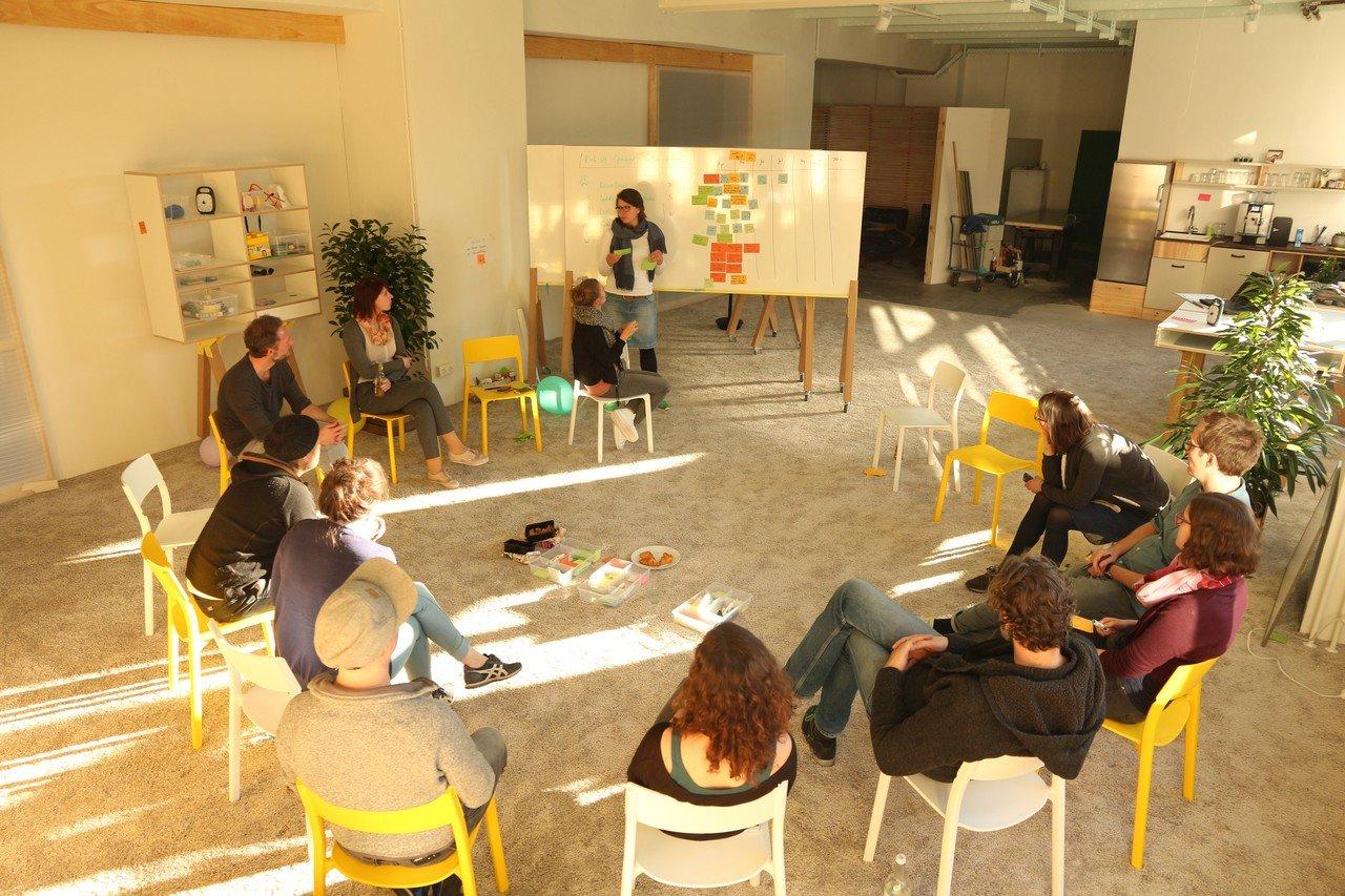 Berlin  Salle de réunion Base1 - Raum für Neues Arbeiten image 10