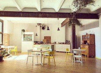 Berlin  Salle de réunion Base1 - Raum für Neues Arbeiten image 11