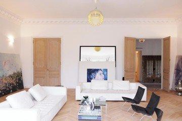 Paris corporate event venues Lieu Atypique Appartement Montaigne - Galerie Joseph image 4