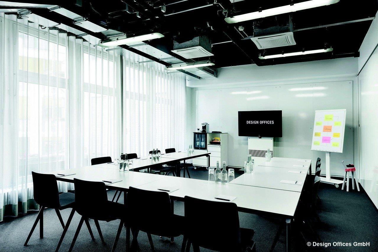 Stuttgart Schulungsräume Salle de réunion Design Offices Stuttgart Tower - Training Room II image 1