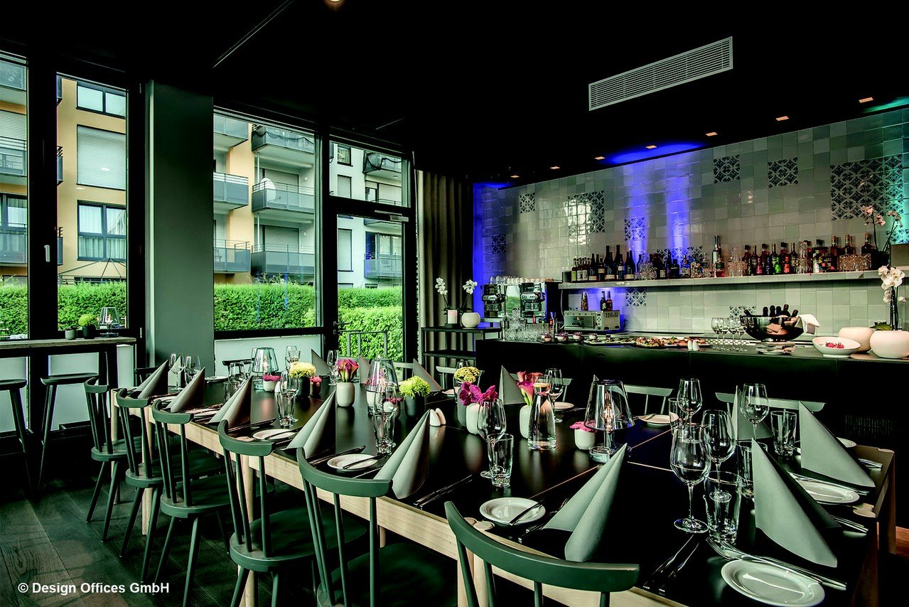 Stuttgart corporate event venues Salle de réunion designofficestower-DO Eatery image 0