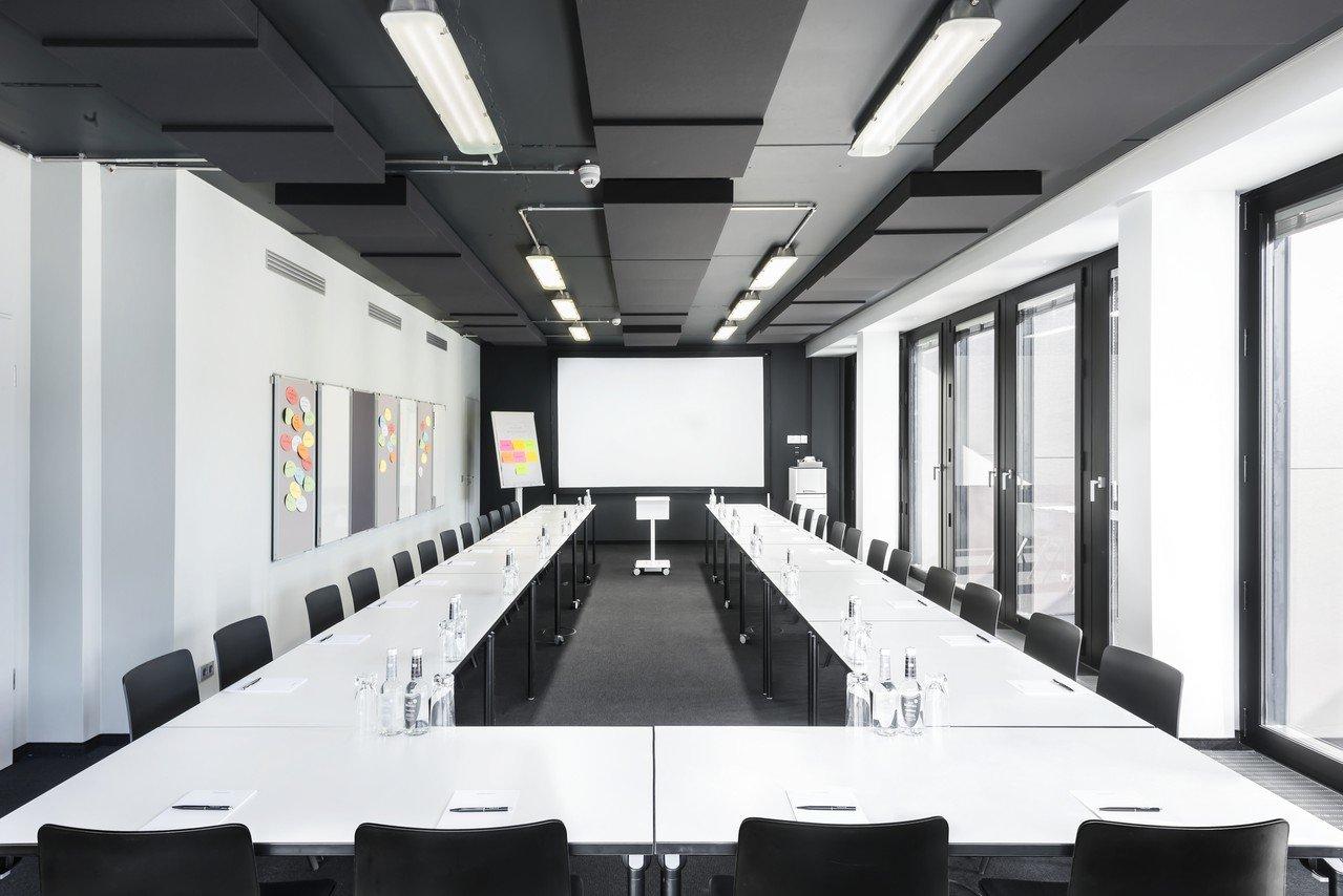 Hamburg training rooms Meeting room Design Offices Hamburg Domplatz - Training Room I image 1