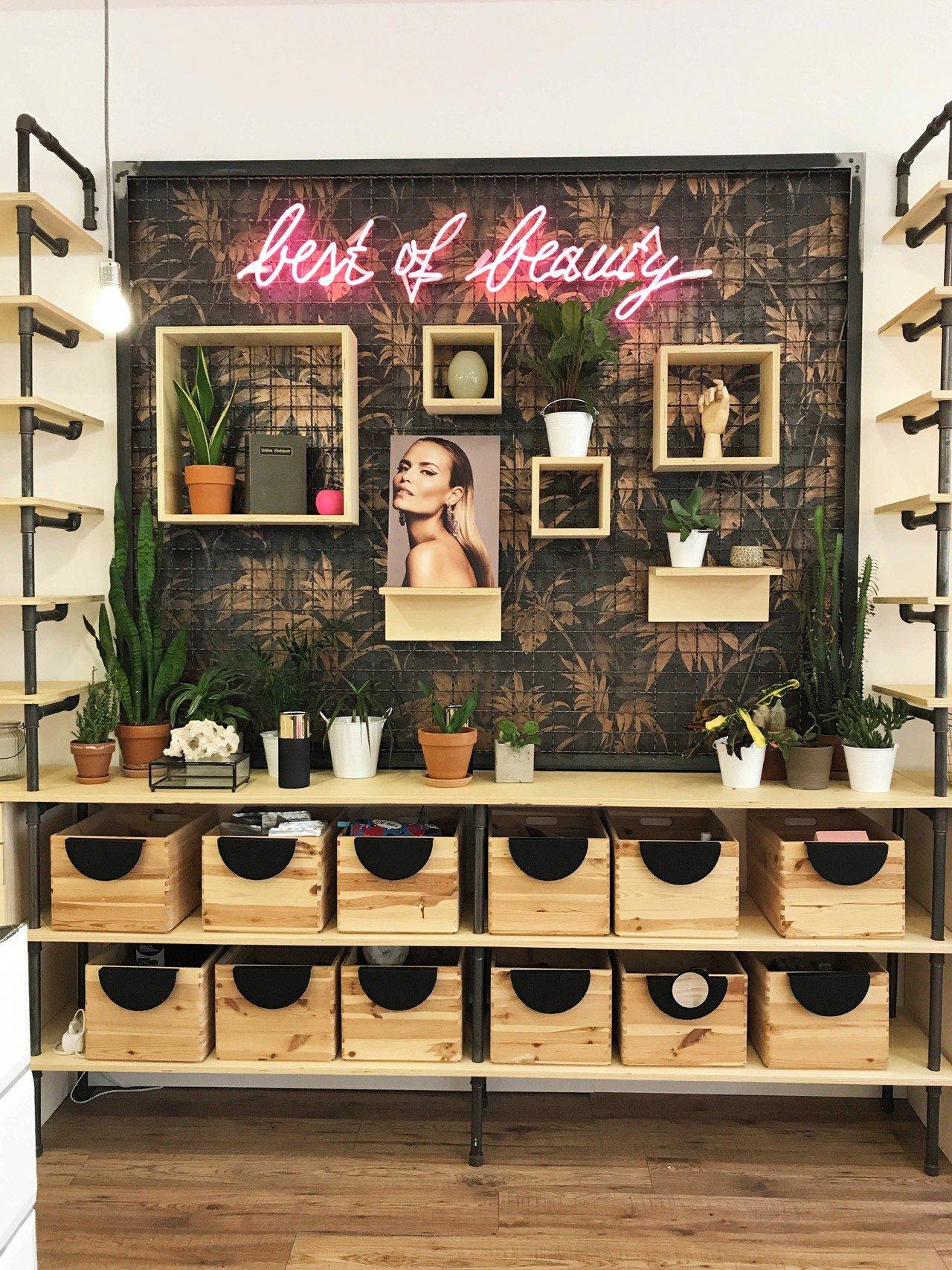 Berlin  Besonders Schöner Beauty Concept Store in Berlin Prenzlauer Berg image 0
