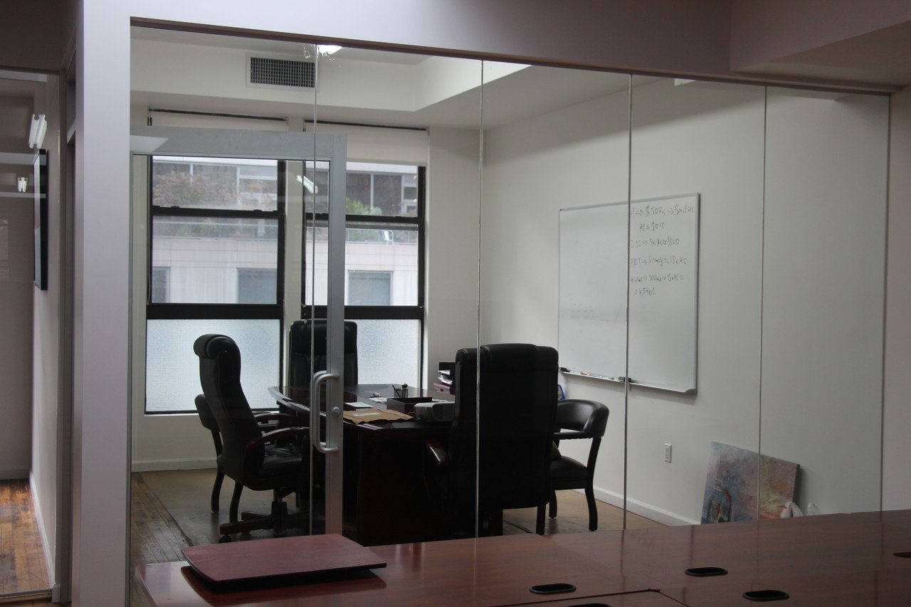 NYC  Espace de Coworking Team Office for 5 at 838 Sixth Avenue image 2