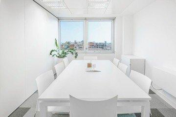 Barcelona  Meeting room Hub & in image 2