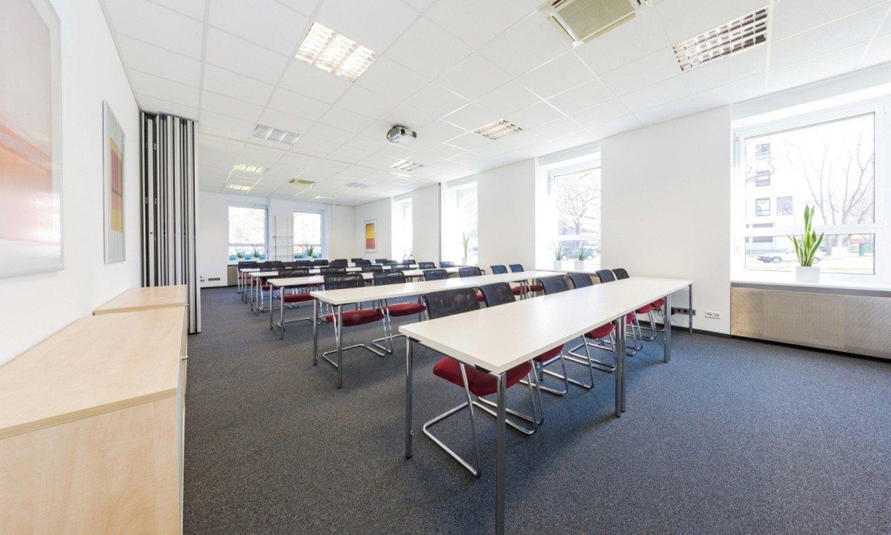Francfort  Salle de réunion Rothko3 image 0