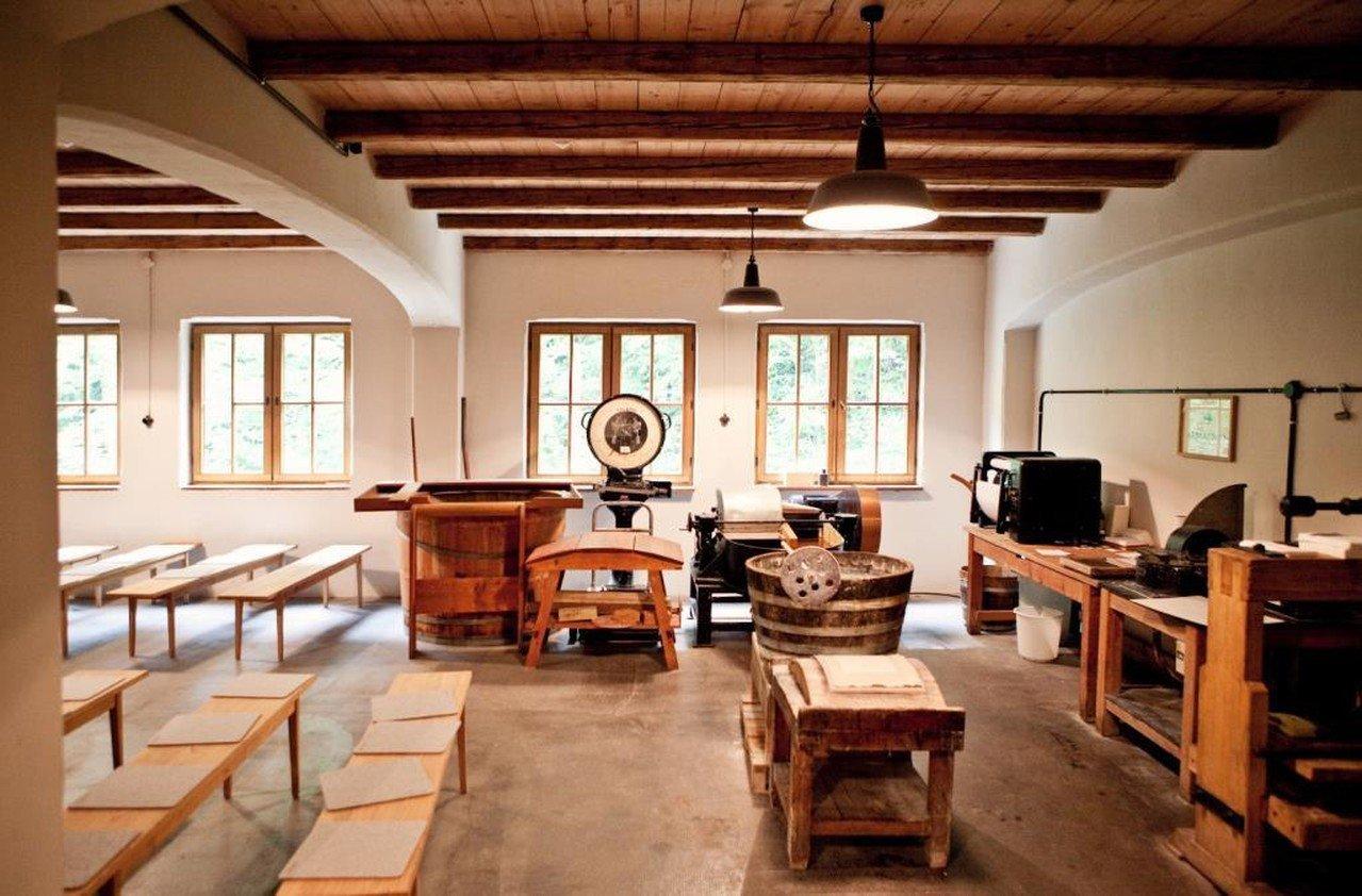 München  Industriegebäude Büttenpapierfabrik Gmund image 2