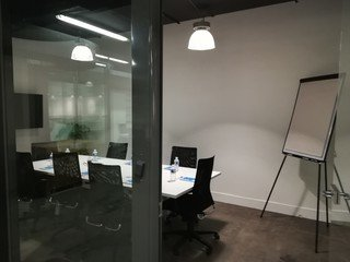 Autres villes  Espace de Coworking Meeting room (10 pax) near Train Station of Lille-Flandres image 2