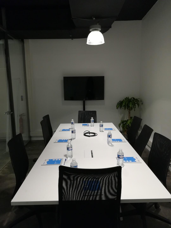 Autres villes  Espace de Coworking Meeting room (10 pax) near Train Station of Lille-Flandres image 3