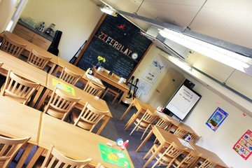 Manchester training rooms Coworking space Ziferblat Edge Street - The Classroom image 6