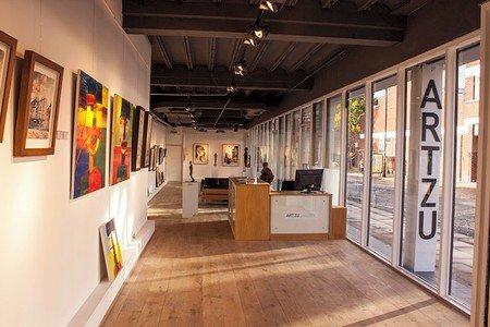 Manchester  Galerie d'art ARTZU Gallery image 3