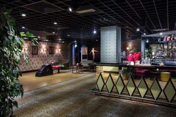 Manchester corporate event venues Lieu Atypique All Star Lanes - The Jungle Room image 1
