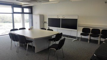 Birmingham workshop spaces Salle de réunion iCentrum - Mezzanine Square Meeting Room image 0