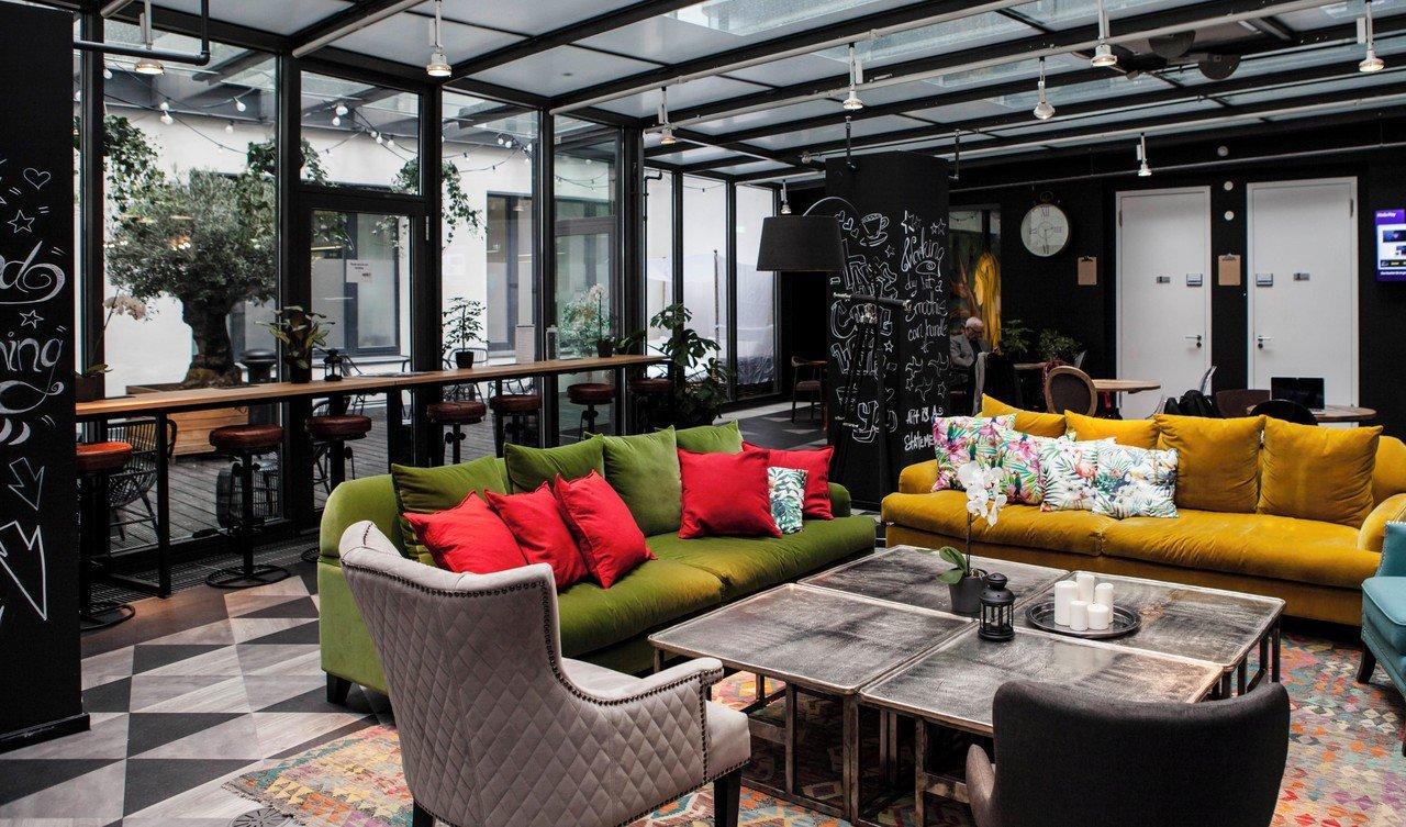 rent24 berlin mitte studio 24 mieten in berlin. Black Bedroom Furniture Sets. Home Design Ideas