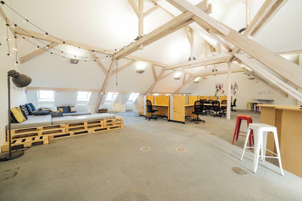 Zurich  Coworking space TGIM - Thank God it's Monday image 2