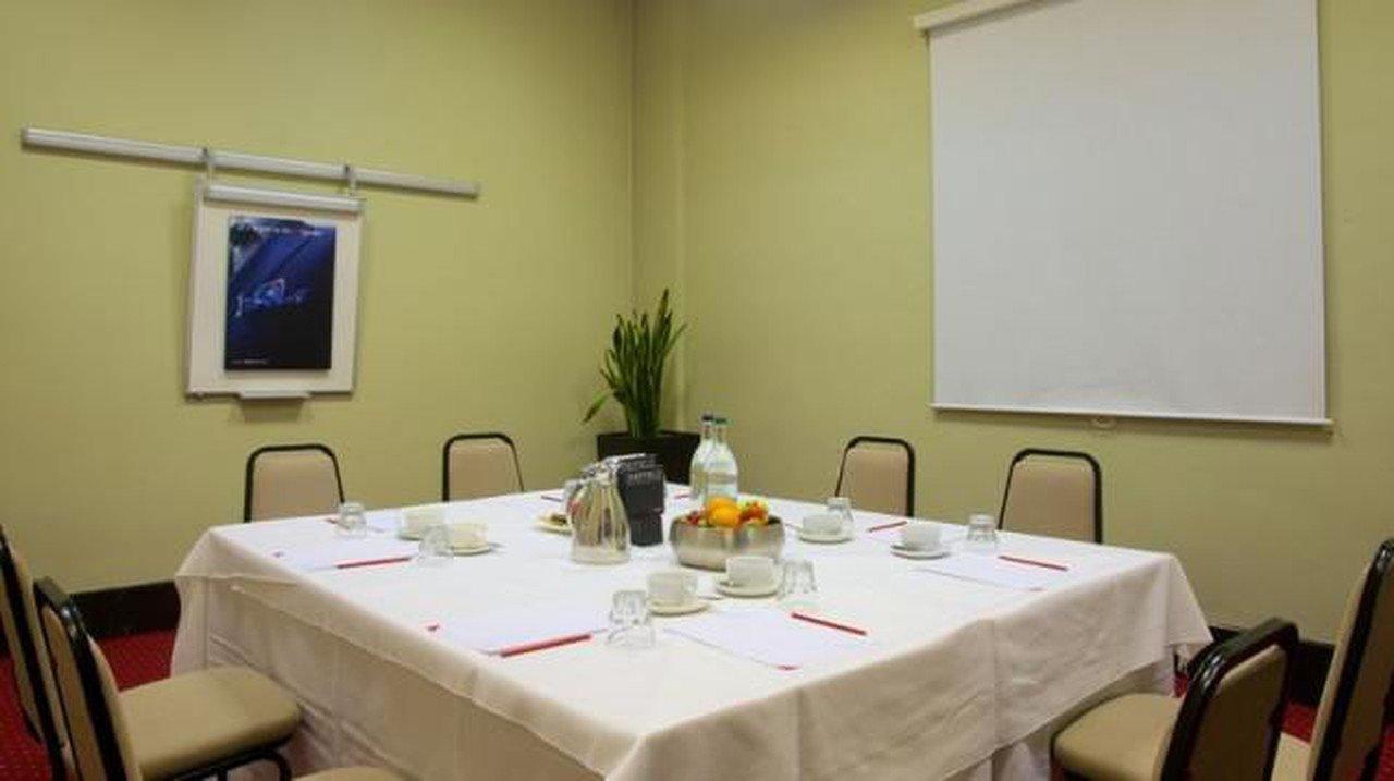 Sheffield conference rooms Salle de réunion Sheffield Metropolitan Hotel  -Beta Suite image 3