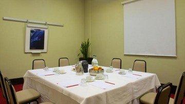 Sheffield conference rooms Meetingraum Sheffield Metropolitan Hotel  -Beta Suite image 3