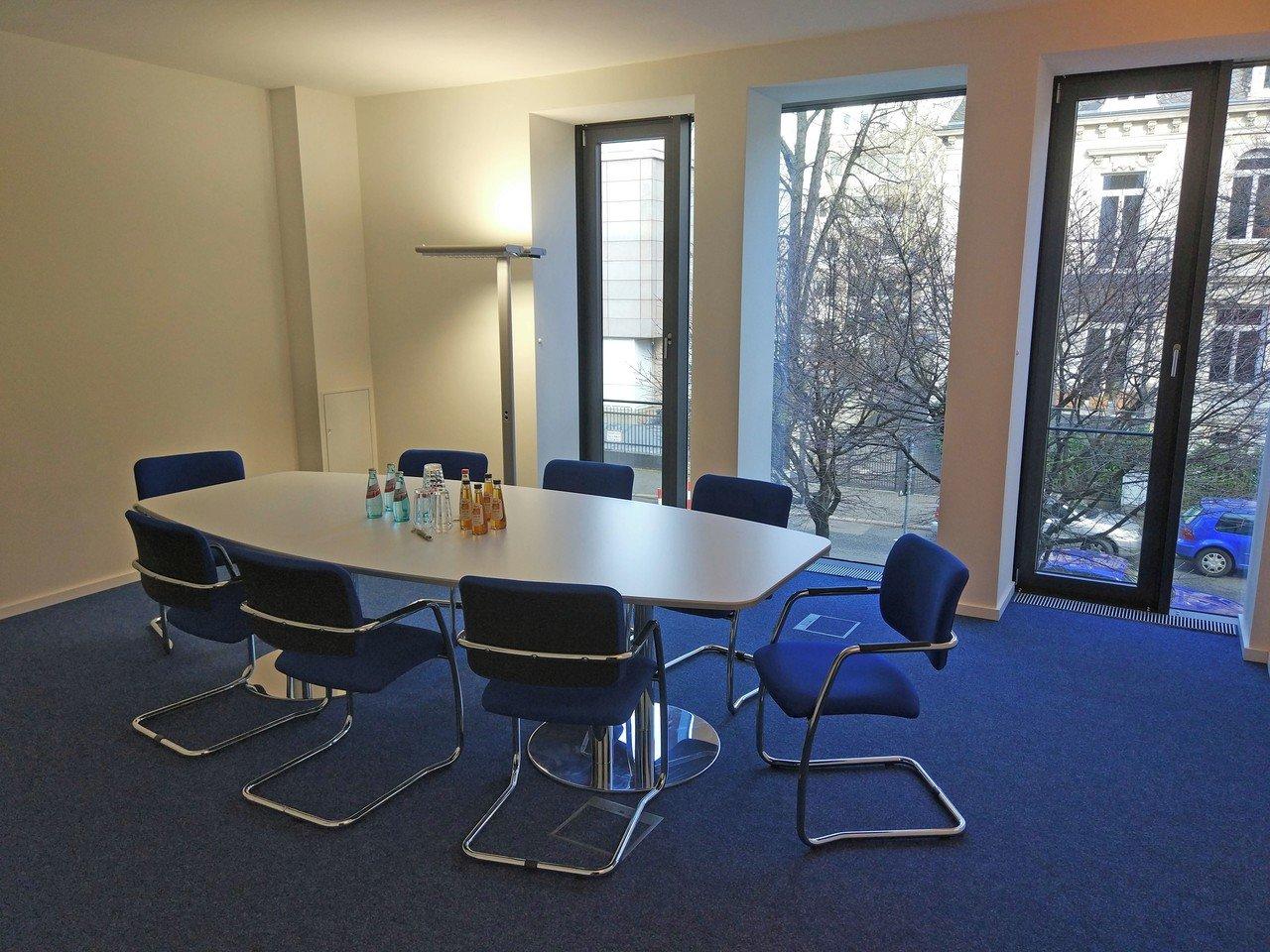 Francfort  Salle de réunion Puristischer Tagungsraum im Herzen des Frankfurter Westends image 1