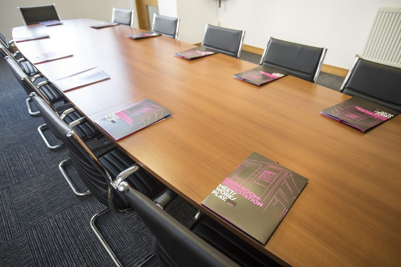 Sheffield conference rooms Salle de réunion Showroom Workstation - Conference 1 image 1