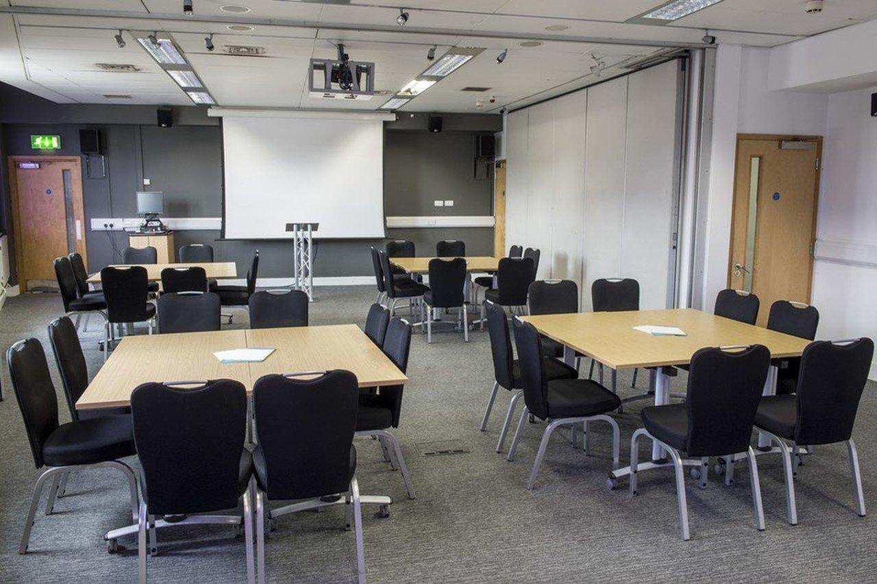 Sheffield seminar rooms Meeting room Showroom Workstation - Showroom 5 image 0