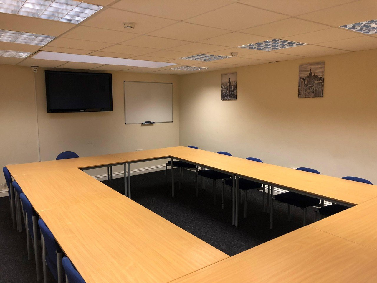 Greenhithe training rooms Salle de réunion Training for Security Limited - Kaieteur Room Boardroom image 0