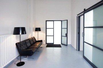 Munich  Studio Photo Schalterhalle image 2
