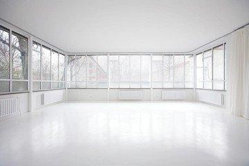 Munich  Studio Photo Schalterhalle image 4