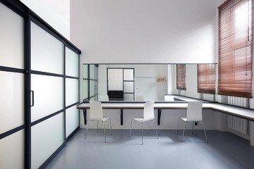 Munich  Studio Photo Schalterhalle image 5