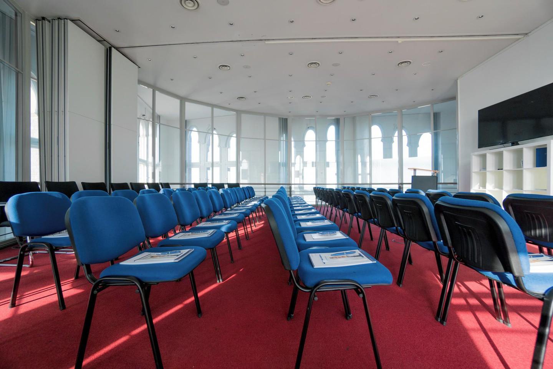 Berlin  Salle de réunion Turmplenum im Borsigturm image 5