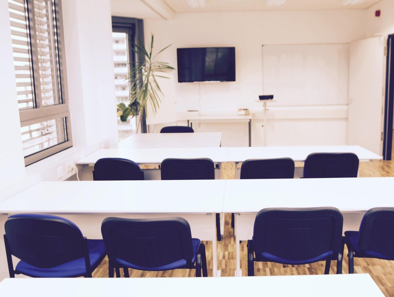 Dresden seminar rooms Classroom meeting space image 0