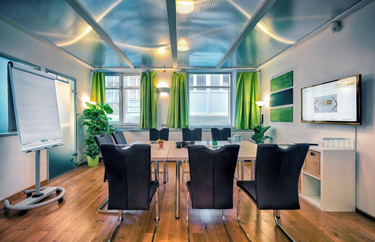 Wien  Meetingraum Basis 08 image 1
