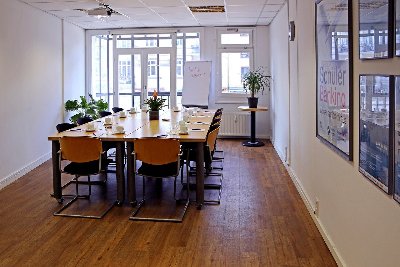 Hamburg   Meeting Room Dammtor next to University image 1