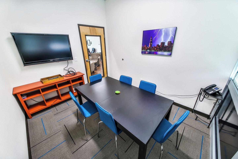 Austin conference rooms Salle de réunion T-Werx Coworking - Twin Creeks image 0