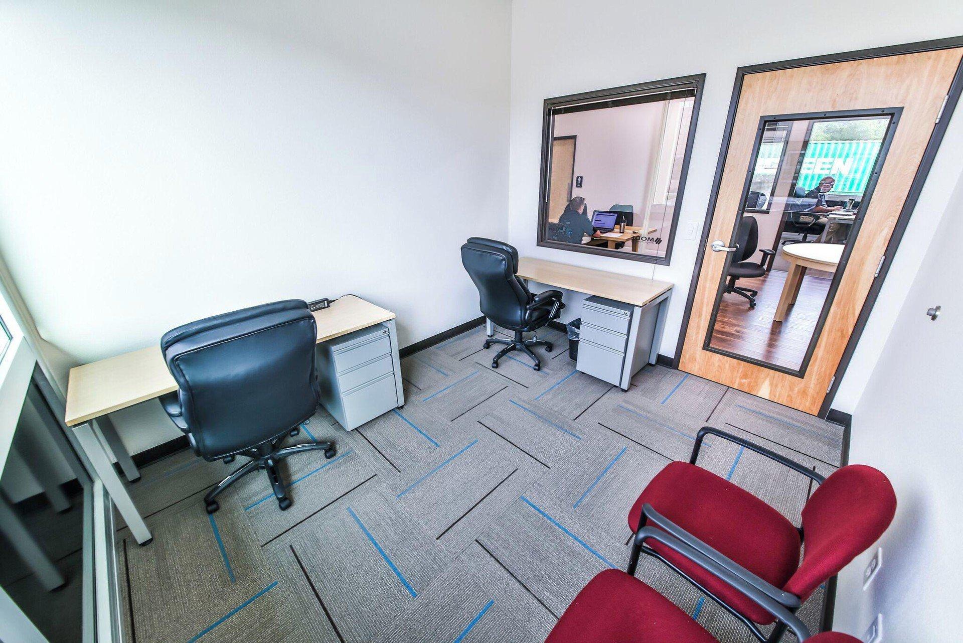 Austin conference rooms Salle de réunion T-Werx Coworking - Private Office Room image 0