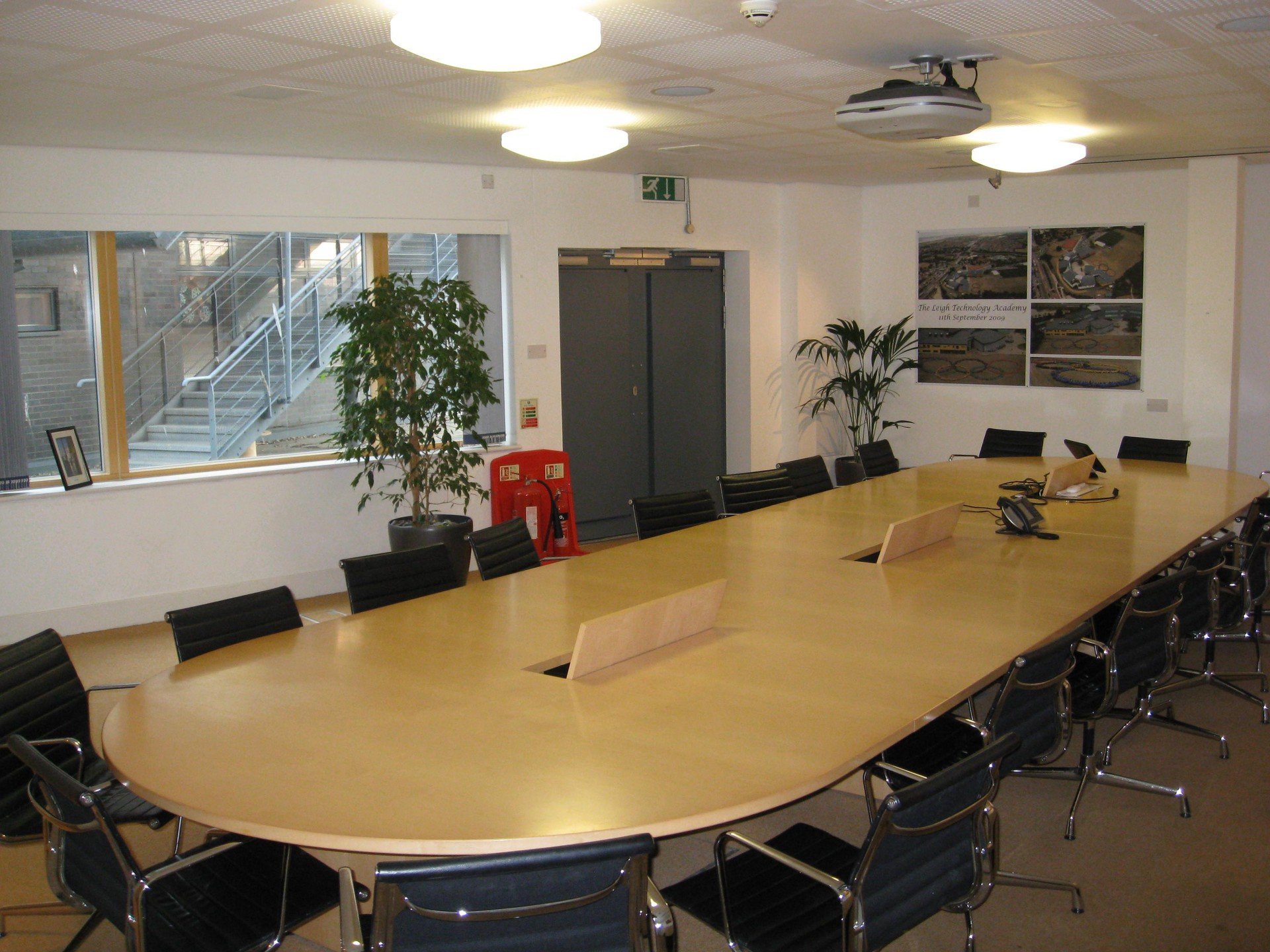 Greenhithe training rooms  The Leigh Academy - Boardroom image 0