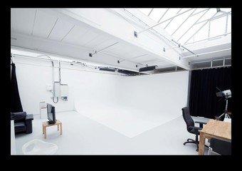 Munich  Studio Photo punchin pictures Film Studio Loft image 0