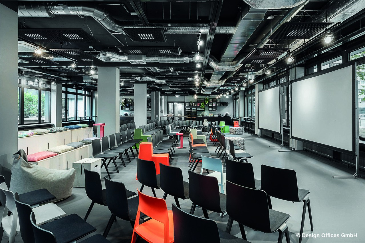Francfort training rooms Salle de réunion Design Offices Frankfurt Wiesenhüttenplatz - Arena I XL image 0