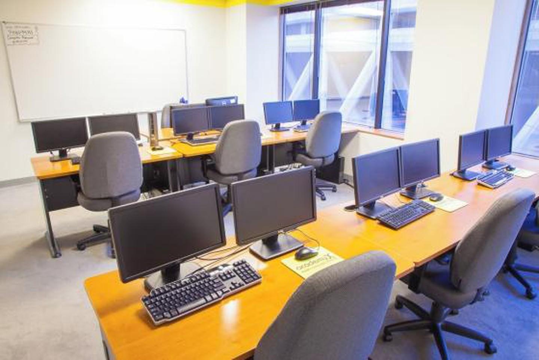 San Francisco conference rooms Salle de réunion AcademyX - Classroom SF image 1