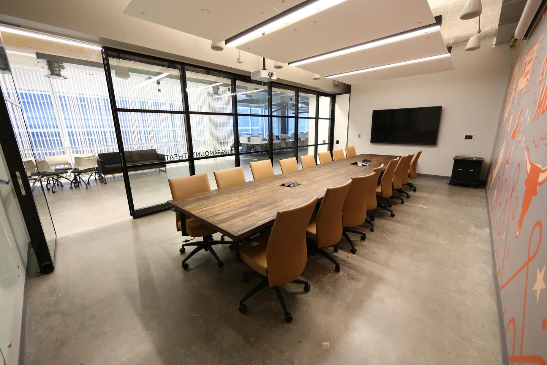 Austin conference rooms Salle de réunion Galavanize -Austin - Conference Room image 6